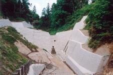 亀ケ沢砂防堰堤工事